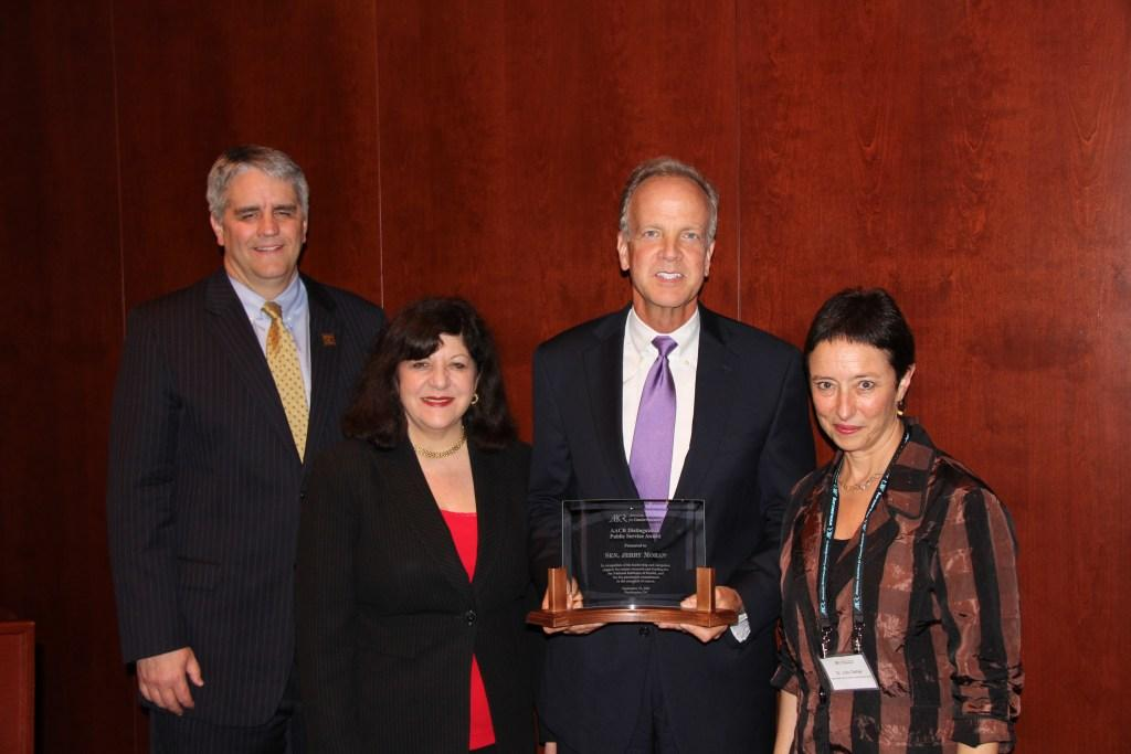 Sen. Moran Receiving Public Service Award