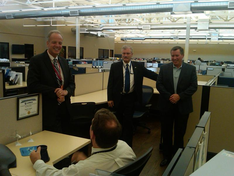 Sen. Moran visits Airbus North America Engineering, Inc.