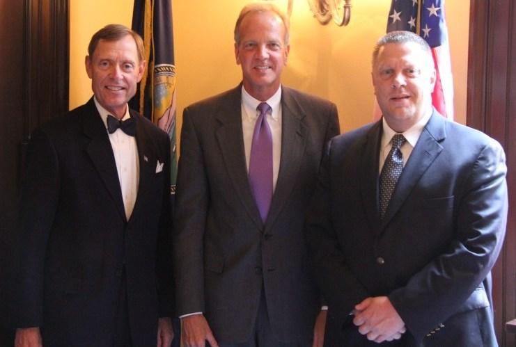Sen. Moran Meets with Washburn University President