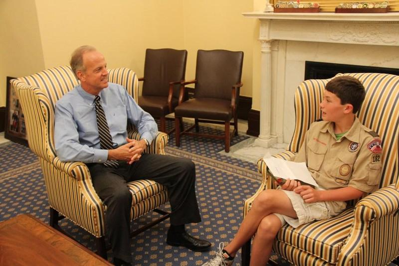 Sen. Moran Meets with Parker Ost of Olate