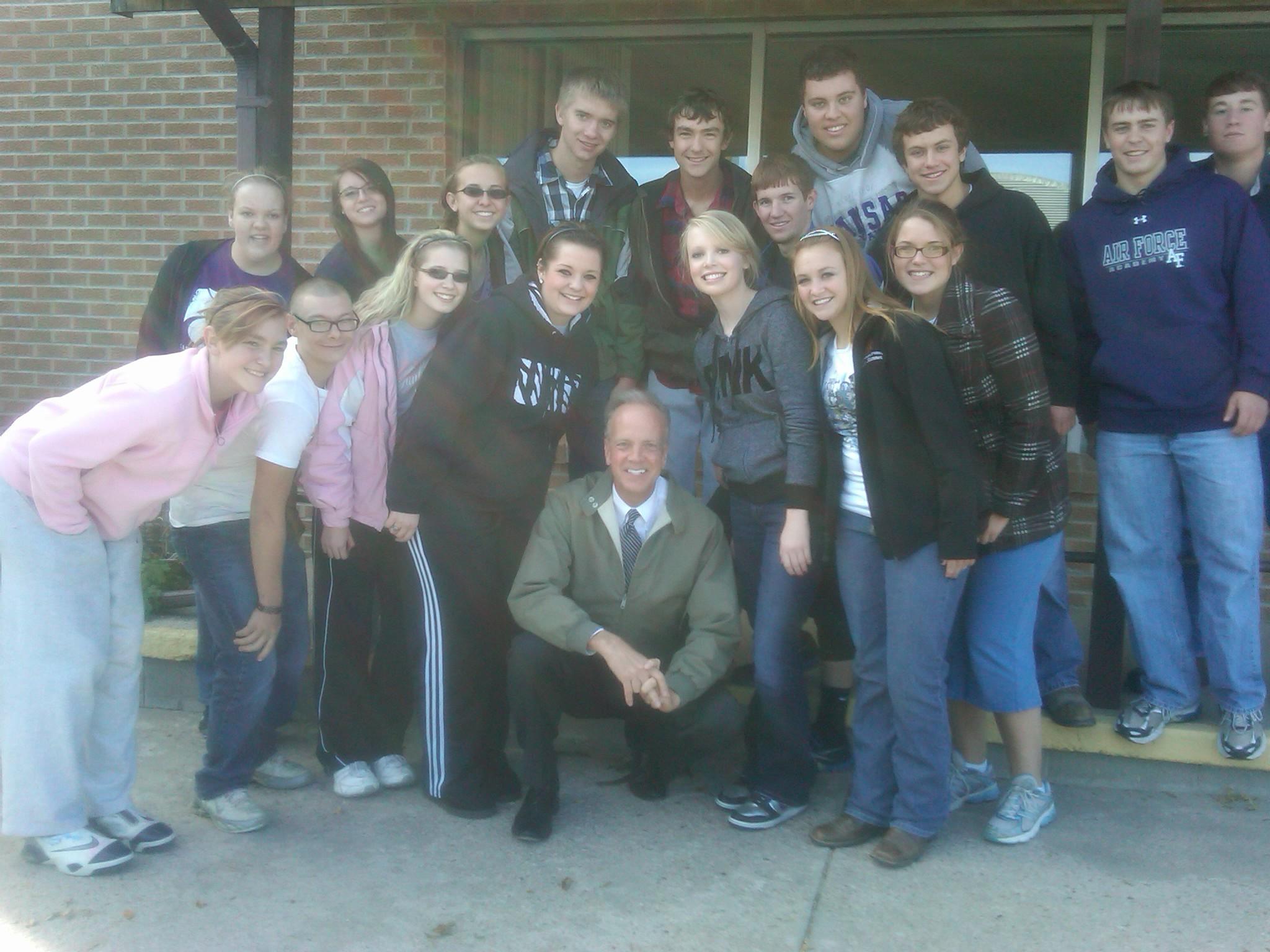 Sen. Moran Visits with Sharon Springs High School Students