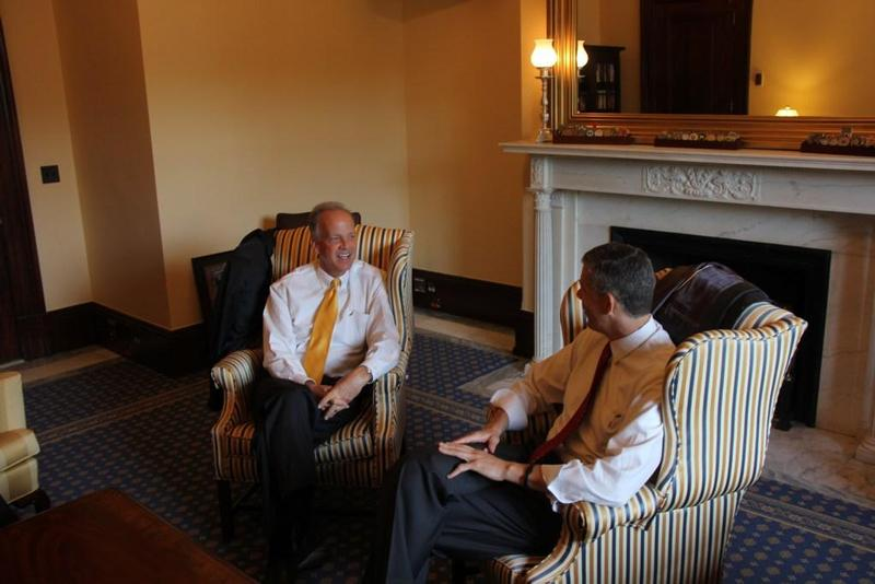 Sen. Moran Meets with Secretary of Education Arne Duncan