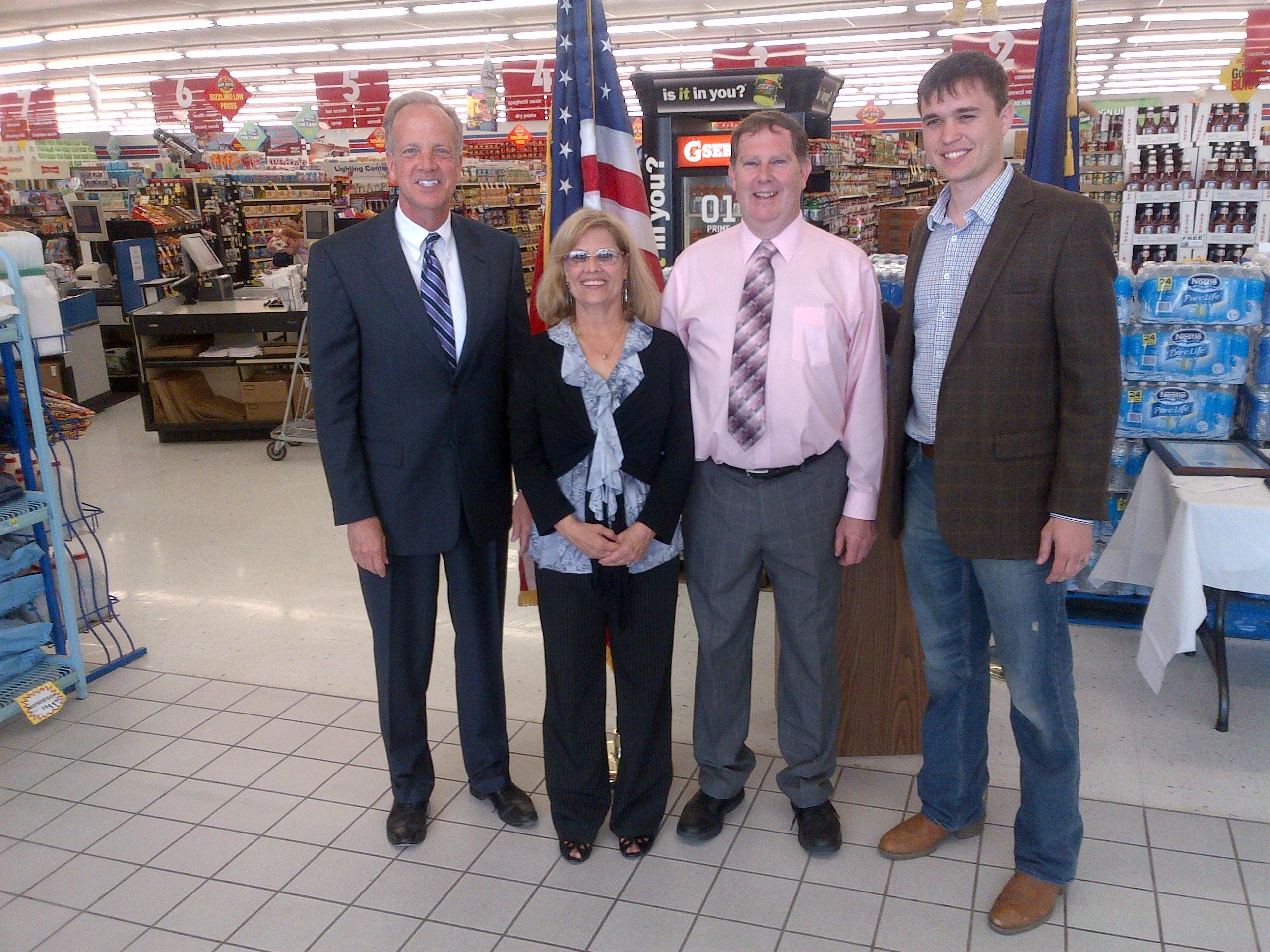 Sen. Moran Congratulates Gordon and Mary Jenkins